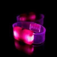Светящийся браслет розовый