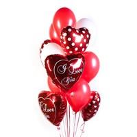 Фонтан из шаров и красных сердец